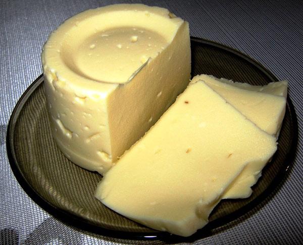 domashnij-syr-slivochnyj-iz-tvoroga-i-moloka